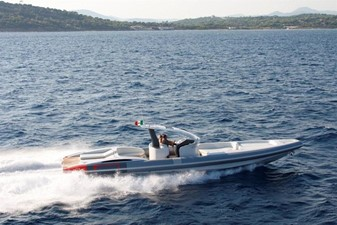 Pirelli PZero 1400 Yacht Edition 6