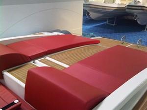 Pirelli PZERO 1100 Yacht Tender (Inboard Diesel) 26