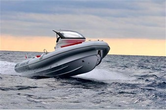 Pirelli PZERO 1100 Yacht Tender (Inboard Diesel) 5 Pirelli PZERO 1100 Yacht Tender (Inboard Diesel) 2021 PIRELLI PZERO 1100 CABIN Boats Yacht MLS #102128 5