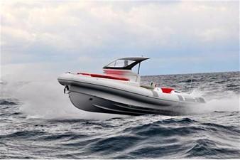 Pirelli PZERO 1100 Yacht Tender (Inboard Diesel) 4 Pirelli PZERO 1100 Yacht Tender (Inboard Diesel) 2021 PIRELLI PZERO 1100 CABIN Boats Yacht MLS #102128 4