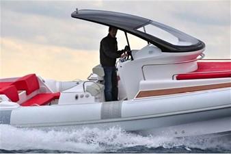Pirelli PZERO 1100 Yacht Tender (Inboard Diesel) 3 Pirelli PZERO 1100 Yacht Tender (Inboard Diesel) 2021 PIRELLI PZERO 1100 CABIN Boats Yacht MLS #102128 3