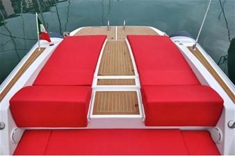 Pirelli PZERO 1100 Yacht Tender (Inboard Diesel) 10