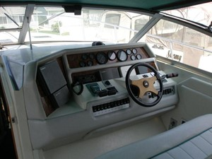 Knot on Call 3 Knot on Call 1994 SEA RAY 370 Express Cruiser ***FRESH WATER*** Cruising Yacht Yacht MLS #114135 3