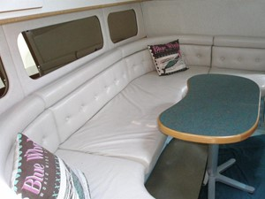 Knot on Call 7 Knot on Call 1994 SEA RAY 370 Express Cruiser ***FRESH WATER*** Cruising Yacht Yacht MLS #114135 7