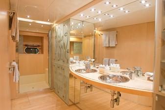 Leopard 26 - Bathroom