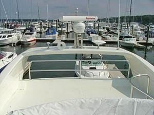 KYKNOS 4 KYKNOS 2005 AZIMUT YACHTS 46 EVOLUTION MY Motor Yacht Yacht MLS #122670 4