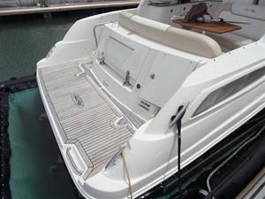 Sea Ray 330 Sundancer 1