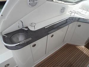 Sea Ray 330 Sundancer 6