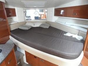 Sea Ray 330 Sundancer 10