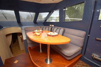 Wheelhouse Settee