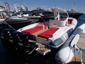 Pirelli PZero 1400 Outboard Edition 9