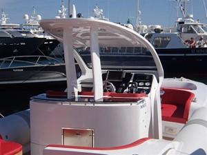 Pirelli PZero 1400 Outboard Edition 21