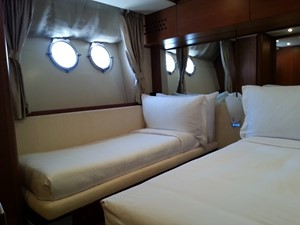 Aicon 85 Flybridge - Cabin 4 (Twin)