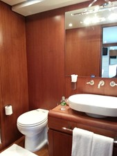 Aicon 85 Flybridge - Washroom 3