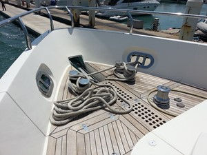 Aicon 85 Flybridge - Front Bow