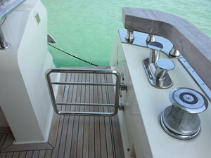 Aicon 85 Flybridge - Aft Entrance