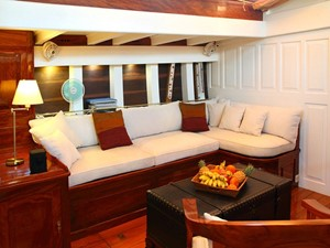 Aventure 4 Ketch Classic Yacht 28m - Saloon