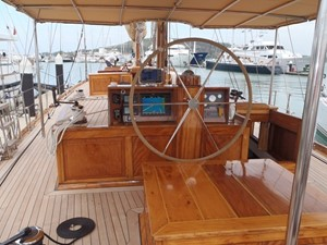 Aventure 3 Ketch Classic Yacht 28m - Helm