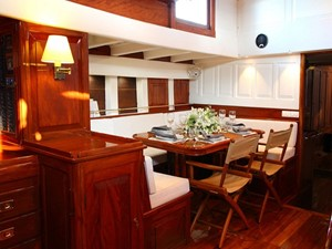 Ketch Classic Yacht 28m - Dining area