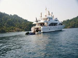 Azimut Benetti Tradition 100 -  Cruising (aft view)