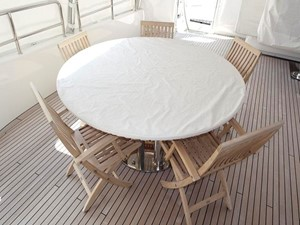 Azimut Benetti Tradition 100 - Table