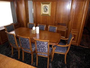 Azimut Benetti Tradition 100 - Dining Table