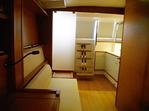 Lagoon 620 -  Master cabin entrance option going to aft (Starboard)