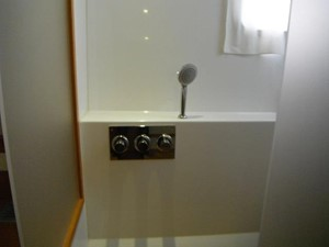 Lagoon 620 -  Master cabin shower (Starboard)
