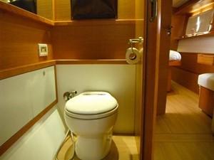 Lagoon 620 -  Master cabin head (Starboard)