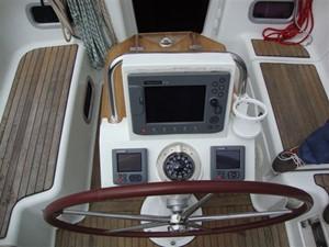 2009 Beneteau Oceanis 34 - Helm