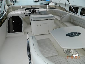 Princess 65 - flybridge deck