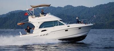 Beneteau Antares 9.8 0 Beneteau Antares 9.8 2007 BENETEAU Beneteau Antares 9.8 Motor Yacht Yacht MLS #215363 0