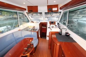 Beneteau Antares 9.8 7 Beneteau Antares 9.8 2007 BENETEAU Beneteau Antares 9.8 Motor Yacht Yacht MLS #215363 7