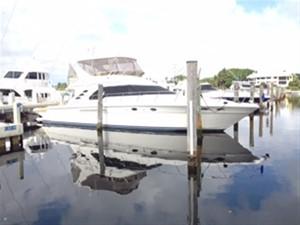 20/20 1 20/20 2000 SEA RAY 560 Sedan Bridge Motor Yacht Yacht MLS #216371 1