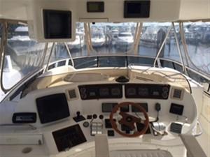 20/20 4 20/20 2000 SEA RAY 560 Sedan Bridge Motor Yacht Yacht MLS #216371 4