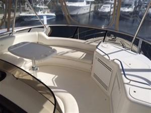 20/20 5 20/20 2000 SEA RAY 560 Sedan Bridge Motor Yacht Yacht MLS #216371 5