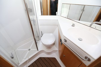 ROULETTE 7 ROULETTE 2007 OYSTER MARINE LTD Oyster 655 Cruising Sailboat Yacht MLS #218343 7