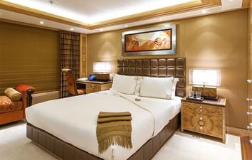 Solandge 30 Amber Stateroom