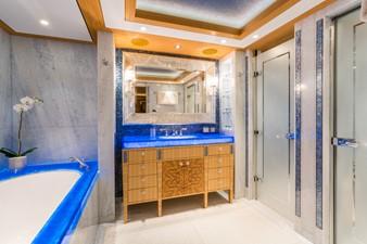 Solandge 26 Blue Bathroom