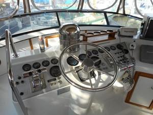 Club Mar Marine 21