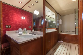 11_180712_ITASCA_ITASCA_Guests Bathroom_Hi-0035-credit Quin BISSET