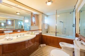 13_180712_ITASCA_Guests Bathroom_Hi-1405-credit Quin BISSET