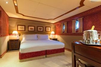 14_180712_ITASCA_Guest stateroom_Hi-0058-credit Quin BISSET
