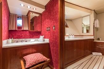 15_180712_ITASCA_Guests Bathroom_Hi-0026-credit Quin BISSET