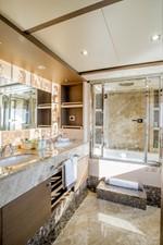 SOY AMOR 17 master-bathroom
