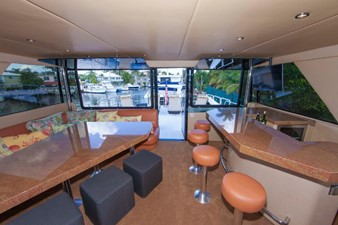 GOLDEN TOUCH 33 SKYLOUNGE - Looking aft to Boat Deck-Bar at right