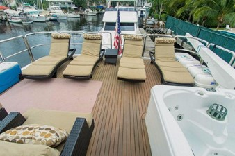 GOLDEN TOUCH 47 BOAT DECK - Looking Aft
