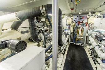 GOLDEN TOUCH 70 ENGINE ROOM - Looking Forward