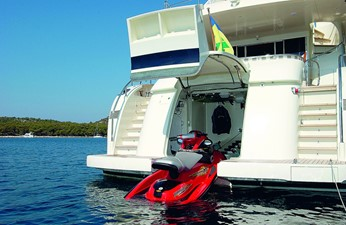 ACURY Motor Yacht 27m Sister ship toy storage