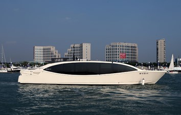 ACURY MY 15 Ocean 3 ACURY Cruiser Limousine 15m